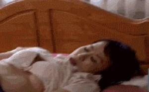 性绞姿始动作动态图:日本美女邪恶图片