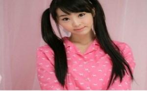 rosi小莉无内衣:超级清纯可爱美少女写真