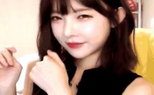 韩国美女舌吻小清心美女邪恶内涵图