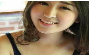 日本美女图片:床上大胆高清人体艺术美乳图