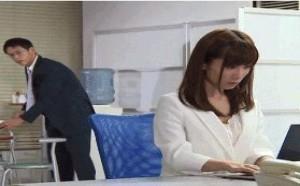 美女邪恶内涵图:日本经典爱情动作片xxoo动态图