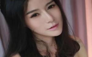 日本美女图片:脱精光的美女更衣室走光美图