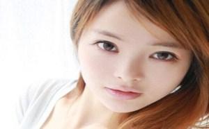 rosi小莉无内衣:日本童颜豪乳图片欣赏