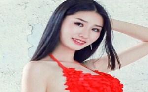 日本美女图片:高跟美腿美女内衣户外白皙写真