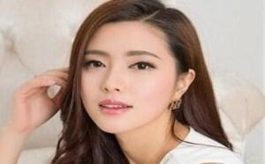 rosi小莉无内衣:气质美女高挑长发黑丝白裙性感写真