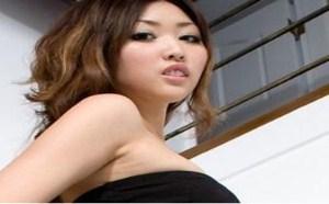 日本美女图片:丰满美女Vanessa黑丝网袜妖娆美姿