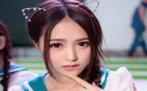 日本美女图片你这嘴唇咬的太有诱惑力了