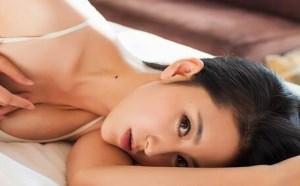 床上的夜女郎美女图片;让男人一夜不能自拔